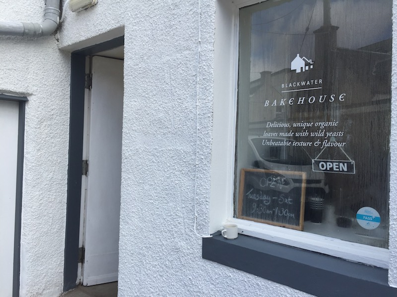Ask anyone you meet in Blackwaterfoot anad they'll tell you how to find the Bakehouse.